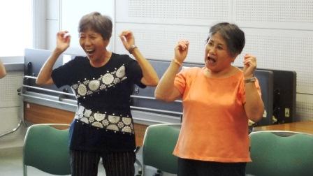 笑いヨガ4.JPG
